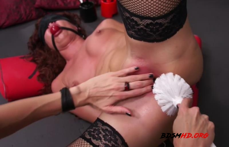 Red and Black - QS, Tanita - QueensnakeStudio - 2011 - HD